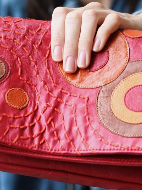 循环利用的皮革手工包
