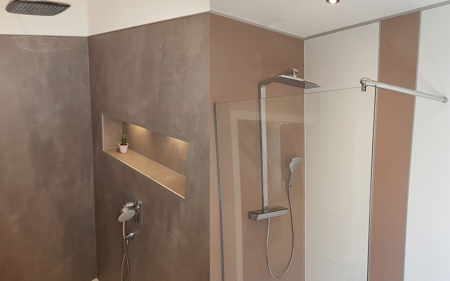 PAVIMI rear shower wall
