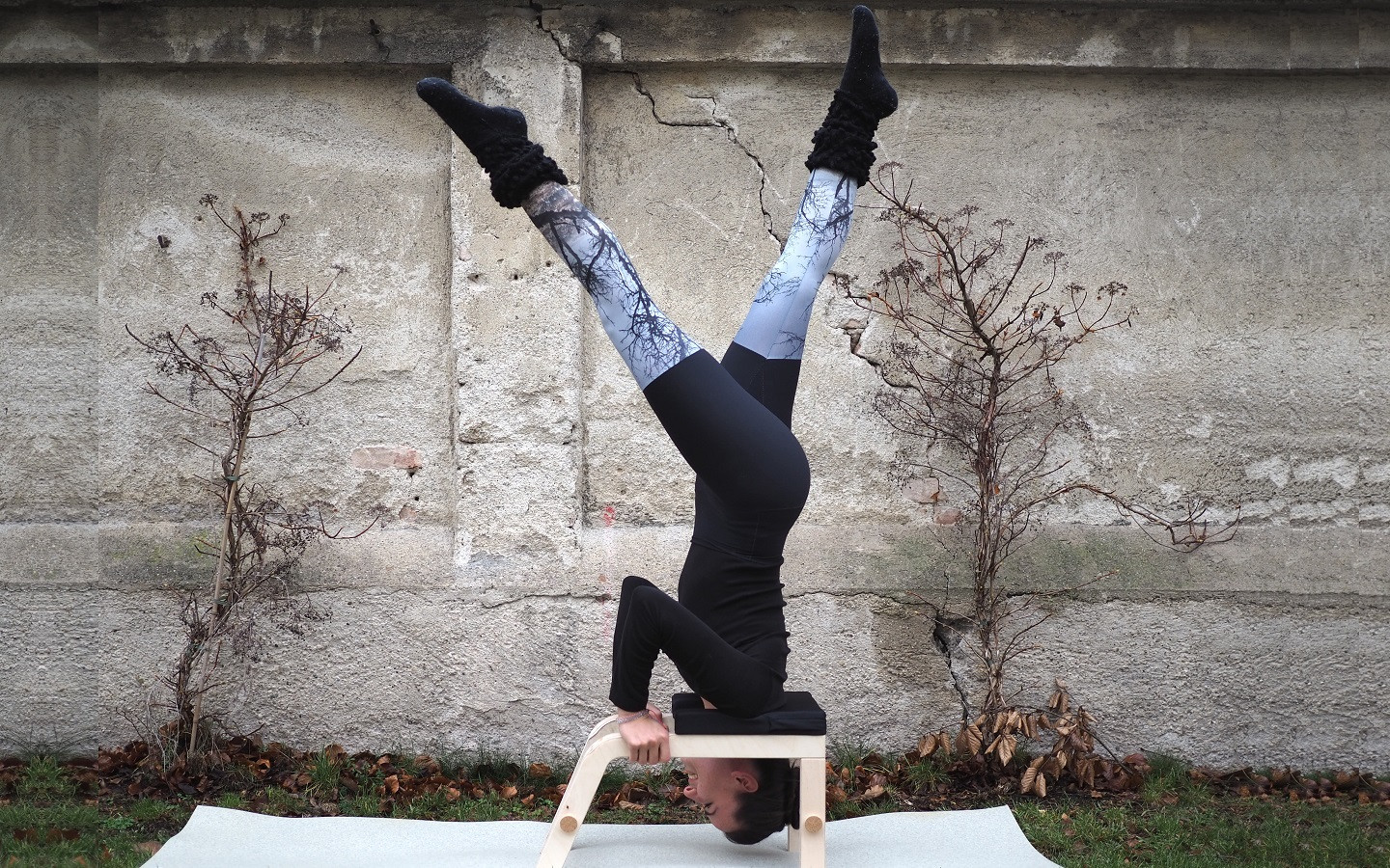 SIYA YOGA Headstand Stool